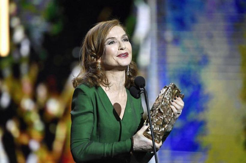 """Isabelle Huppert, """"melhor atriz"""" na 42a cerimônia dos Césares, em fevereiro de 2017, por sua atuação no filme """"Elle"""" de Paul Verhoeven"""
