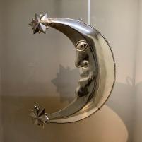 Meia-lua em prata, símbolo da Imaculada Conceição com elementos incaicos, Peru ou Bolívia, século 18